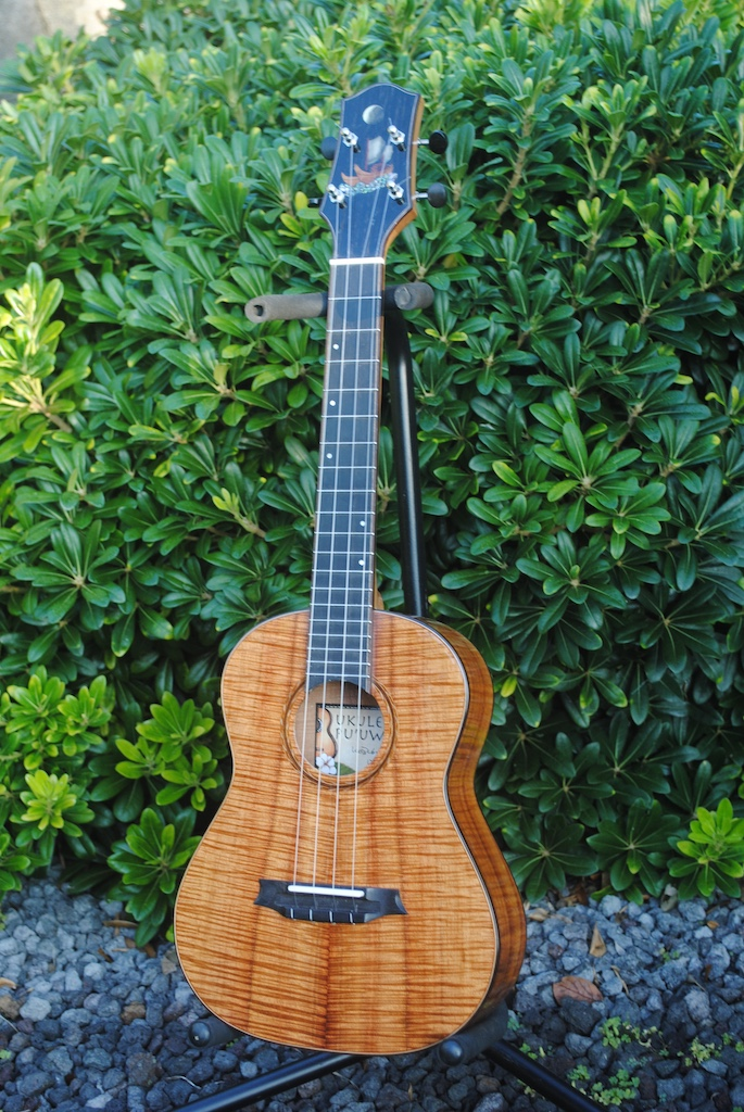 Ukulele For Sale : sold hokulea tenor ukulele for sale white guitars ~ Russianpoet.info Haus und Dekorationen
